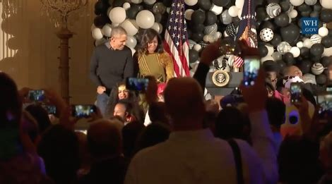 michelle obama halloween barack y michelle obama bailando thriller en noche de