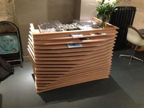 Wooden Dj Table by 17 Best Ideas About Dj Booth On Dj Stand Dj