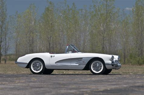 corvette stingray 1960 1960 c1 corvette ultimate guide overview specs vin