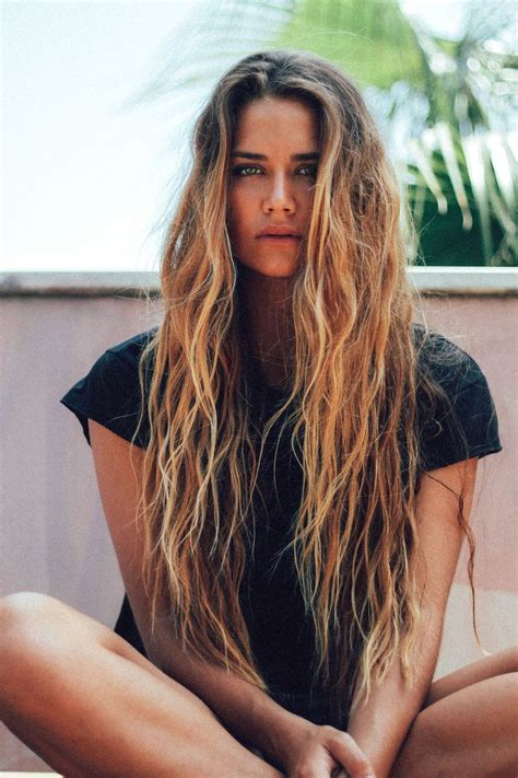 wet and messy hair look best 25 messy hairstyles ideas on pinterest messy bun