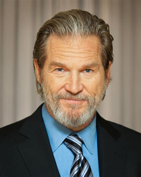 jeff bridges jeff bridges to receive service to america leadership