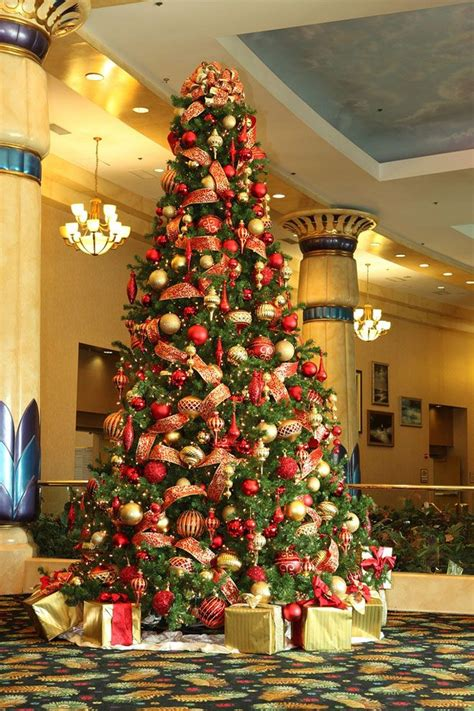 25 beautiful christmas tree decorating ideas for your
