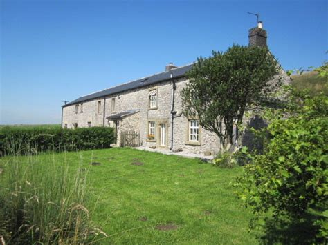 Hulmes Vale Farm Cottages by Large Family Cottages In The Peak District