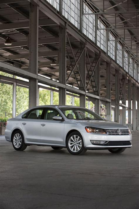 2012 Volkswagen Passat Specs by 2012 Volkswagen Passat Review Specs Pictures Mpg Price