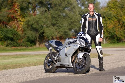 motorcycle racing leathers how is a quot custom fit quot motorcycle racing suit made