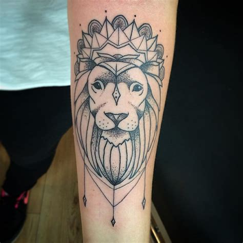 simple lion tattoo 110 best designs meanings choose