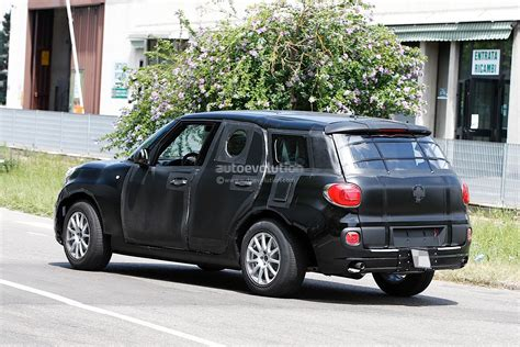 2017 alfa romeo tipo 949 crossover suv spied wearing a