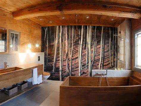Rustic Cabin Bathrooms - legno in bagno calda idea e classica soluzione da non dimenticarela casa rubata