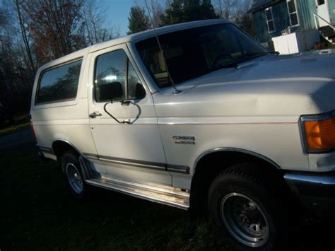 white bronco car 1988 ford bronco 4x4 white suv great daily driver for sale