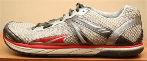 foot shaped running shoes altra instinct running shoe review zero drop foot shaped