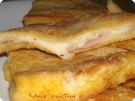 mozzarella in carrozza con prosciutto mozzarella in carrozza con prosciutto cotto ricetta
