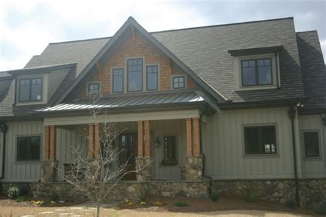 craftsman home with board and batten siding craftsman craftsman board and batten with stone exterior pinterest