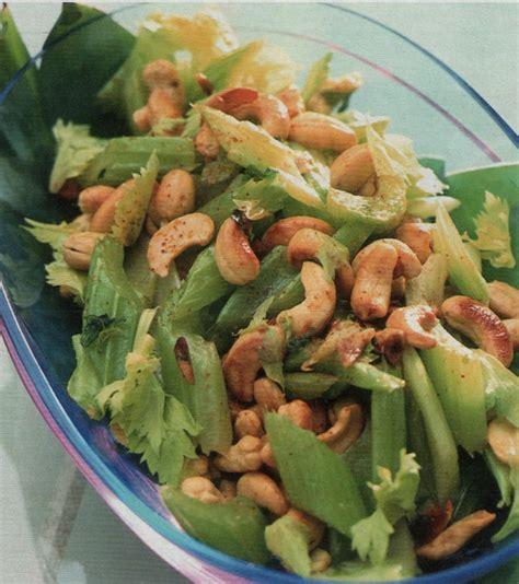 ricetta con il sedano contorno di verdure ricetta sedano saltato con gli