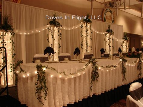 decorating the head table at a wedding reception ehow images head table university club head table bows tulle