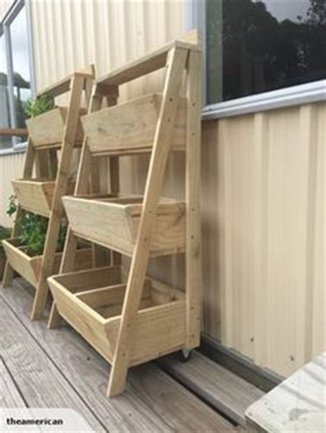 Stacked Planter Boxes by 1000 Ideas About Tiered Planter On Stacked