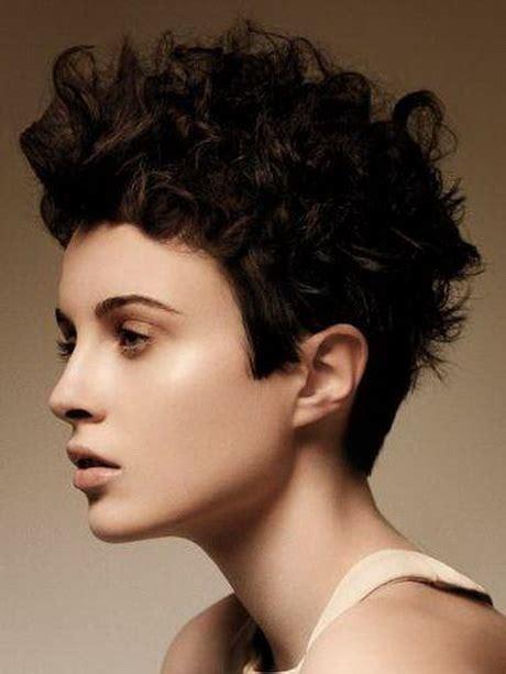 kurzhaarfrisur locken damen frisuren kurze haare