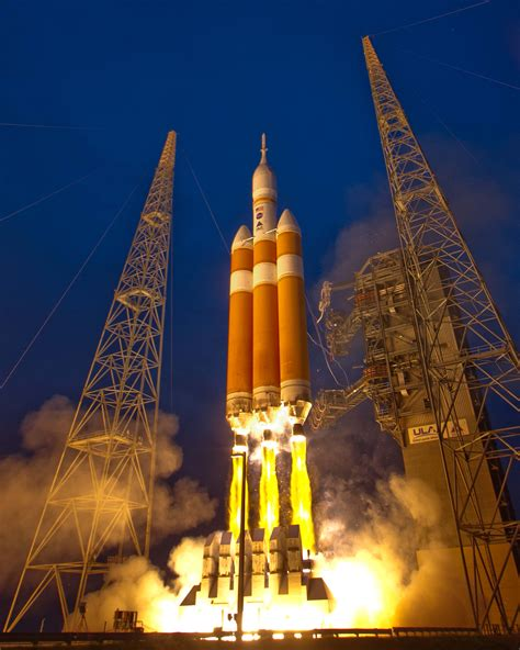 delta iv heavy rocket lifts   space launch