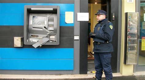 di credito cooperativo sala di cesenatico cesenatico salta il bancomat devastata filiale