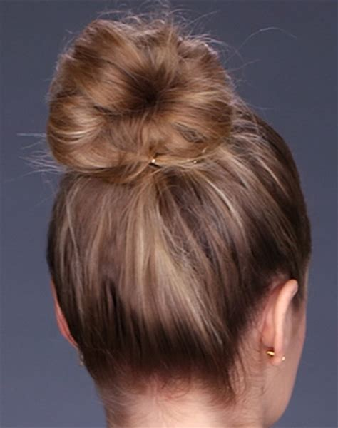 easy messy buns for shoulder length hair messy buns for shoulder length hair hairstyles for