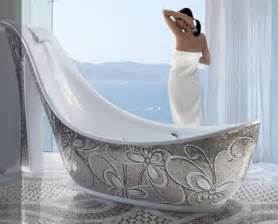 10 relaxing bath tubs