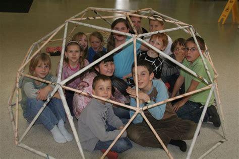 Geodätische Kuppel Selber Bauen by 78 Ideen Zu Geod 228 Tische Kuppel Auf