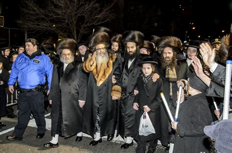 Williamsburg, NY   Satmar Rebbe To Arrive In Jerusalem On