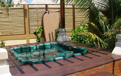11 awesome outdoor tubs ideas for your relaxation