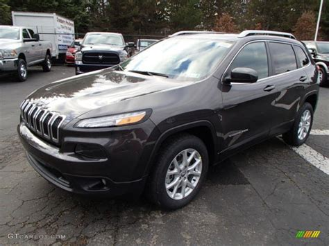 jeep granite crystal metallic granite crystal metallic 2014 jeep cherokee latitude