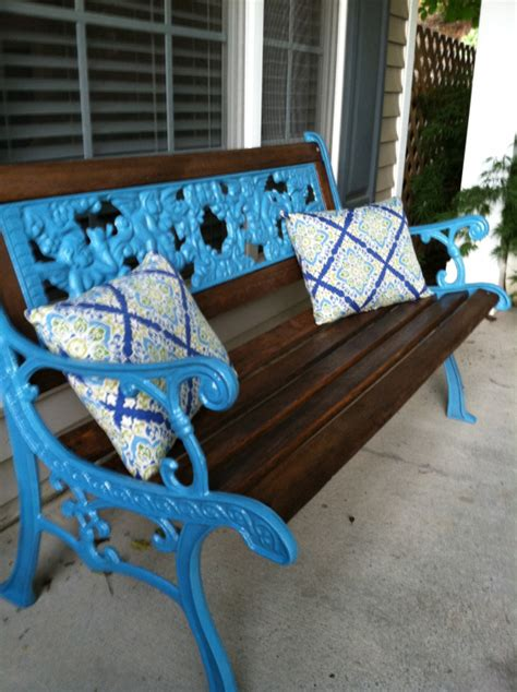 spray paint a wrought iron bench bigdiyideas