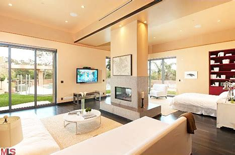 rihanna s bedroom rihanna buys 12 million mansion in pacific palisades see