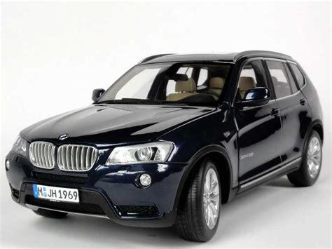 BMW X3 (F25) tiefseeblau met. Werbemodell AUTOart