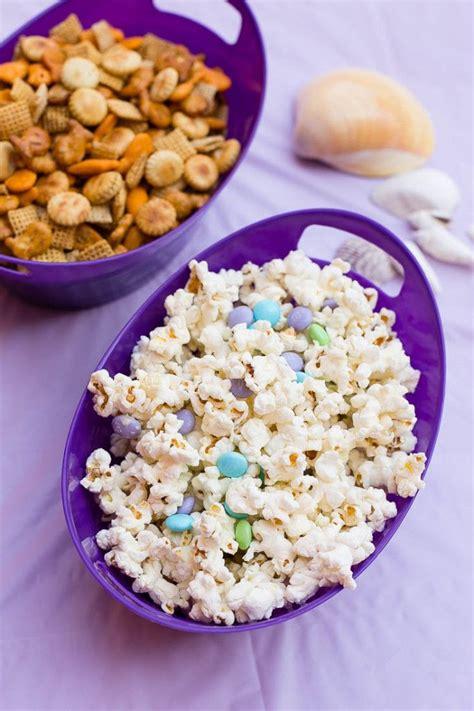 S Corn School Platter 3 fish chex mix and mermaid munch popcorn the sea birthday summer school ideas