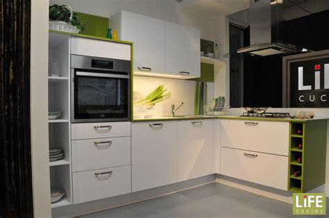 cucine ad angolo con isola cucina moderna ad angolo con cappa a isola scontata