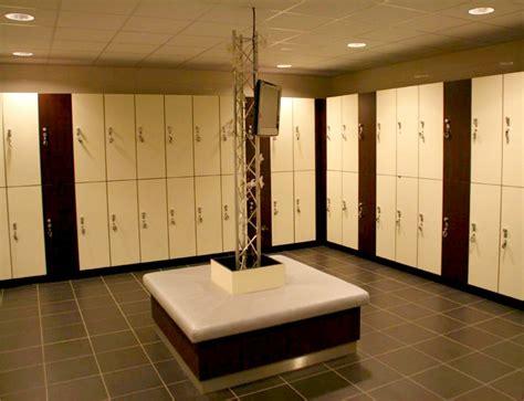 armadietti per spogliatoio armadietti portaoggetti per palestre casamia idea di