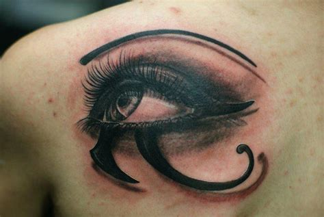 r 252 cken auge tattoo von chris gherman