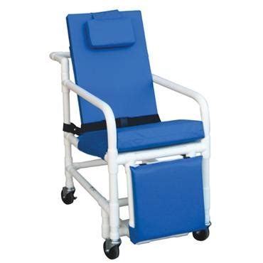 reclining shower chair with footrest 518 sl reclining geri chair with elevated leg and footrest