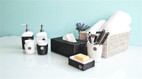 mobili bagno neri dalani mobile bagno laccato bianco eleganza white