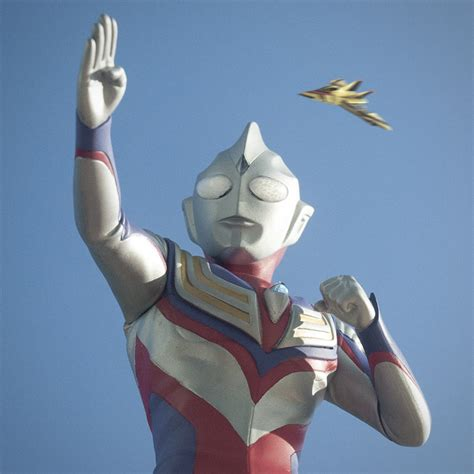ultraman x film 2016 x plus ultraman tiga vinyl figure review