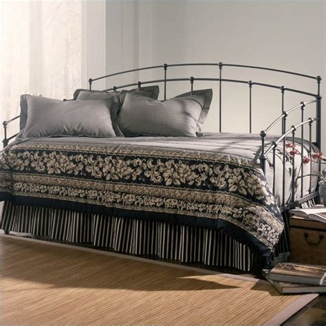 Black Metal Daybed Fenton Metal Daybed In Black Walnut Finish With Pop Up Trundle B41708 450029 Pkg