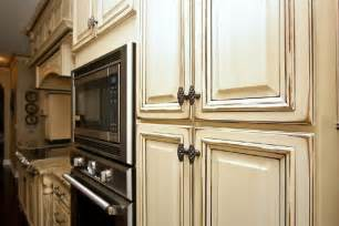 Glazing Kitchen Cabinets by Antique Glazed Kitchen Cabinets Antique Glazed Kitchen