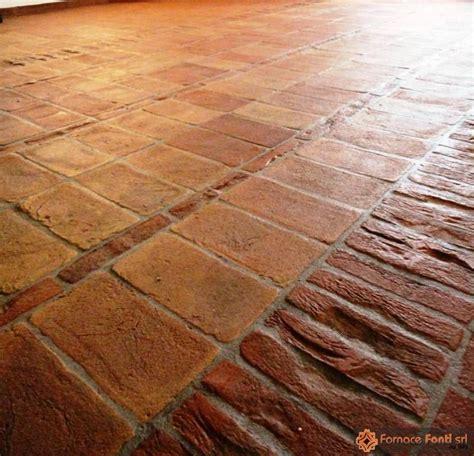 mattoni pavimento interno mattone pavimento marrone rustico idee creative di