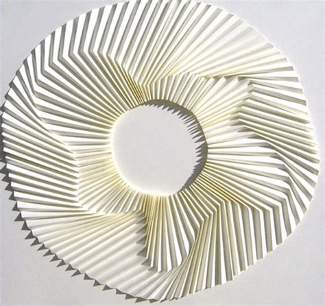 Folded Paper Sculpture - paper folding by nishimura daring dynamic designs