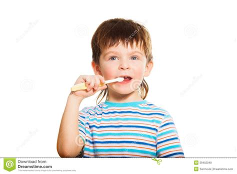 hairbrush for boy 4yr old 3 years old boy brush his teeth stock photo image 39402048
