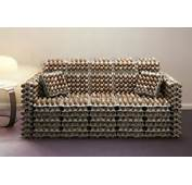 Un Sof&225 Hecho Con Cajas De Huevo Y Aunque Estas Llevan Incluidos Los