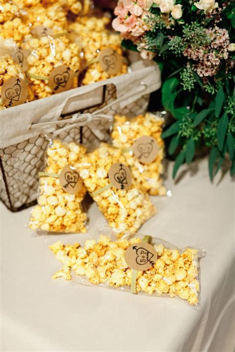 Wedding Favors Food by Best 25 Popcorn Wedding Favors Ideas On