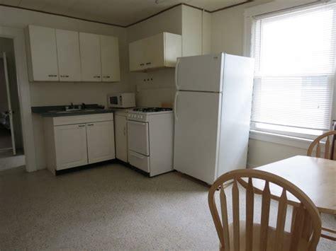 one bedroom apartments uiuc 203c4kitchen12014 hunsinger quality housing for