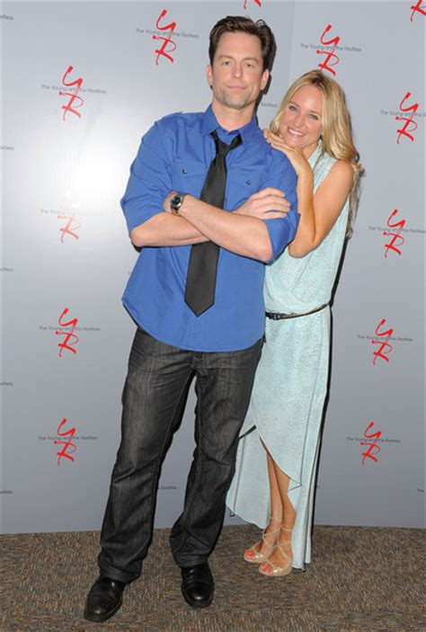 yrs sharon case and michael muhney together again in michael sharon michael muhney photo 35324150 fanpop