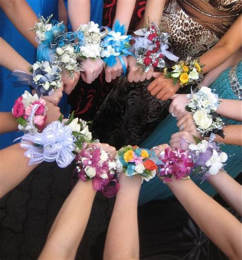 Baby Shower Boutonniere Ideas by Corsages At High School Prom Prom 2016 Ideas