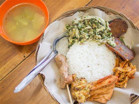 delicious vegan  vegetarian restaurants  ubud bali