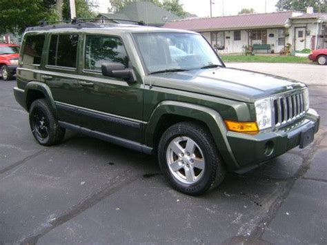 jeep commander with 3rd row seating find used 2007 jeep commander sport 4x4 3rd row seats